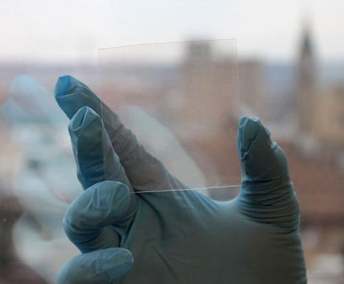 1-dr-zhu-transparent-electrodes-layar-1402747878832.jpg