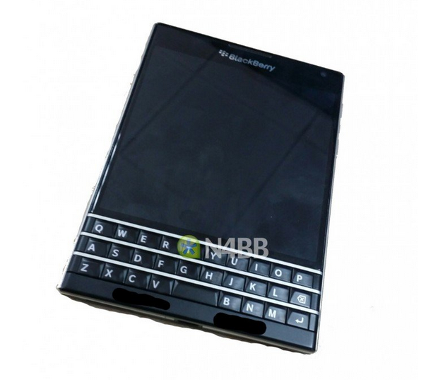 1-pictures-of-the-blackberry-q30-aka-windermere-1401784576651.jpg