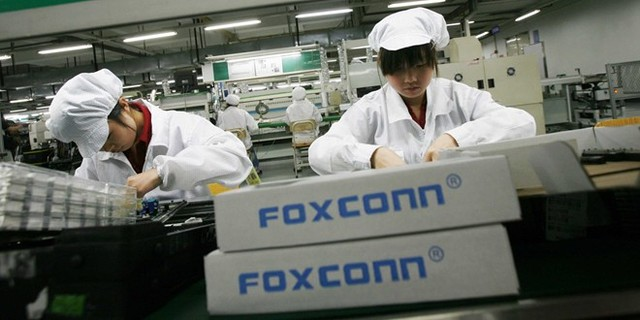 1-foxconnworker-1411441458941.jpg