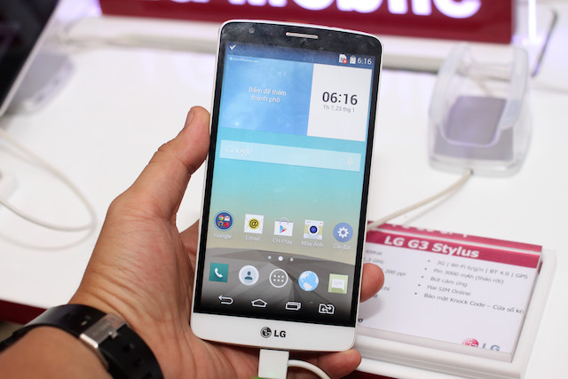 lg-ra-mat-bo-ba-smartphone-tam-trung-g3-stylus-l-fino-va-l60.JPG